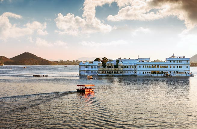 Lake Pichola and Taj Lake Palace in Udaipur. India.